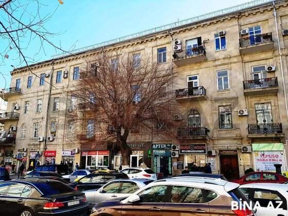 2 otaqlı köhnə tikili - 28 May m. - 72 m² (1)