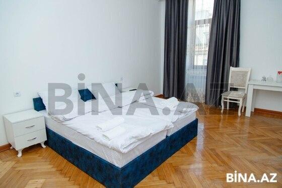 6 otaqlı köhnə tikili - 28 May m. - 255 m² (1)
