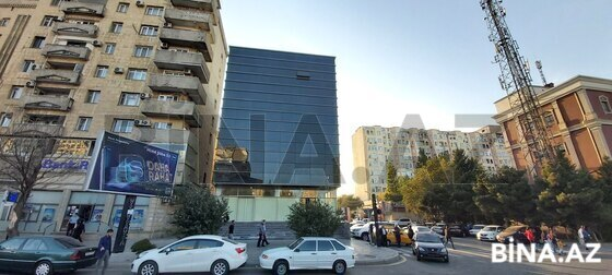 Obyekt - İnşaatçılar m. - 1300 m² (1)