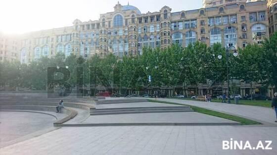 3 otaqlı köhnə tikili - 28 May m. - 120 m² (1)