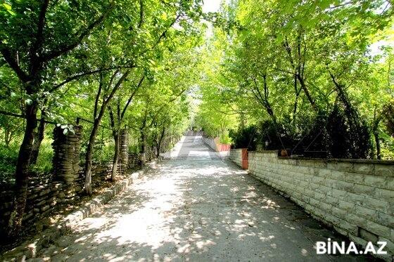 17 otaqlı ev / villa - Quba - 650 m² (1)