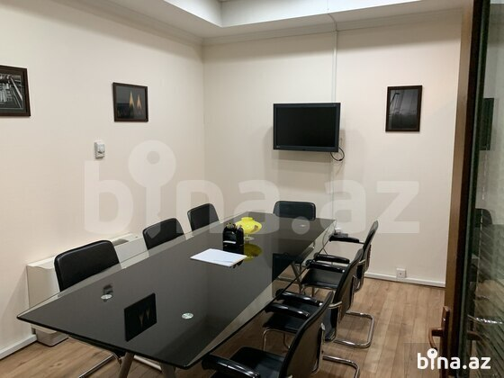8 otaqlı ofis - Səbail r. - 204 m² (1)
