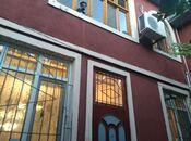 5 otaqlı ev / villa - İnşaatçılar m. - 200 m²
