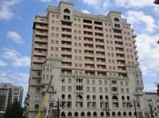 3-комн. новостройка - м. Сахиль - 180 м²