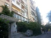 5 otaqlı köhnə tikili - İnşaatçılar m. - 126 m²