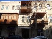 2-комн. вторичка - м. Сахиль - 70 м²