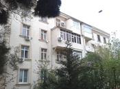 1-комн. вторичка - м. Эльмляр Академиясы - 45 м²