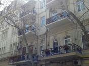 2-комн. вторичка - м. Сахиль - 62 м²
