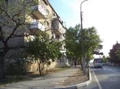 3-комн. вторичка - м. Нефтчиляр - 76 м²