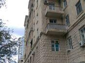 3-комн. вторичка - м. Эльмляр Академиясы - 75 м²