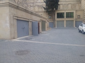 Qaraj - Badamdar q. - 18 m²