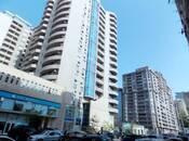 3-комн. новостройка - м. 28 мая - 140 м²