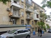 3 otaqlı köhnə tikili - Elmlər Akademiyası m. - 65 m²