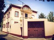 9 otaqlı ev / villa - Nəriman Nərimanov m. - 600 m²