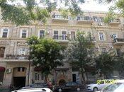 3 otaqlı köhnə tikili - 28 May m. - 110 m²