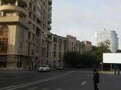 3-комн. новостройка - м. 28 мая - 90 м²