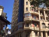 3-комн. новостройка - м. Сахиль - 135 м²