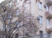 2-комн. вторичка - м. Сахиль - 54 м²