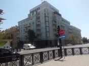 3-комн. вторичка - м. Сахиль - 65 м²
