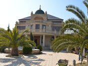 11 otaqlı ev / villa - Novxanı q. - 780 m²