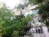 3 otaqlı köhnə tikili - Elmlər Akademiyası m. - 67 m²