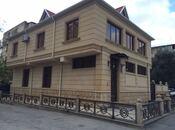6 otaqlı ev / villa - Elmlər Akademiyası m. - 250 m²