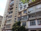 4 otaqlı köhnə tikili - 8-ci mikrorayon q. - 80 m²