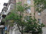 3-комн. вторичка - м. Кара Караева - 70 м²