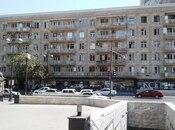 2-комн. вторичка - м. Эльмляр Академиясы - 49 м²