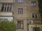 4 otaqlı köhnə tikili - İnşaatçılar m. - 90 m²