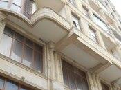 3-комн. новостройка - м. Сахиль - 195 м²
