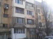 2 otaqlı köhnə tikili - Binəqədi r. - 400 m²