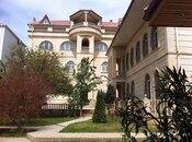 16 otaqlı ev / villa - Badamdar q. - 500 m²