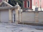 8 otaqlı ev / villa - Bakıxanov q. - 700 m² (2)