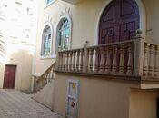 7 otaqlı ev / villa - M.Ə.Rəsulzadə q. - 750 m² (2)